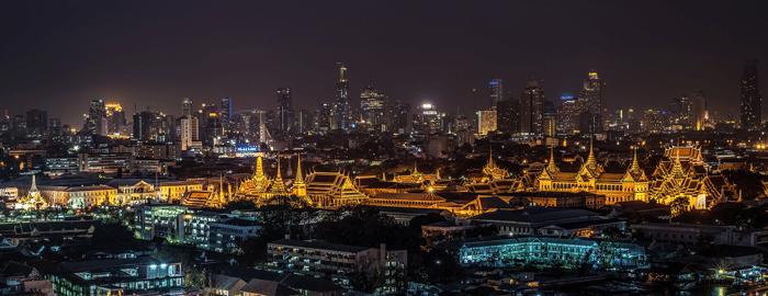 wide-angle-cityscape